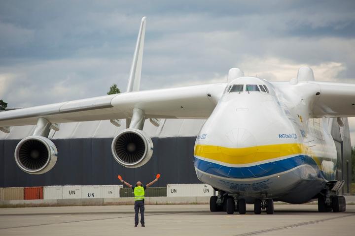Verdens største fly lander på Gardermoen